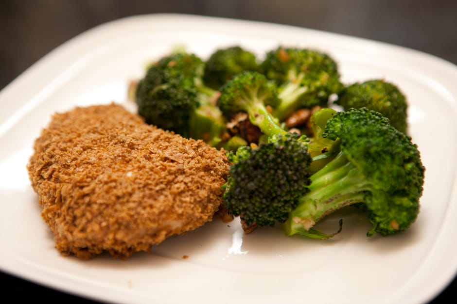 Crunchy Chicken with Oven Roasted Broccoli