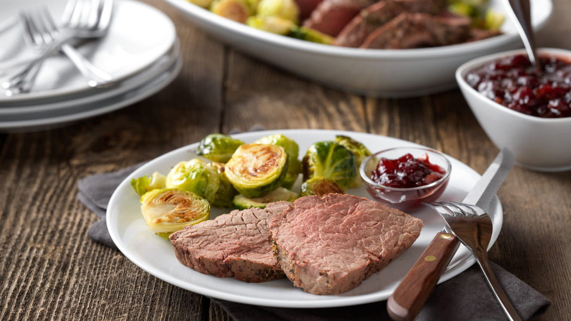 Classic Beef Tenderloin Roast with Cranberry Drizzle