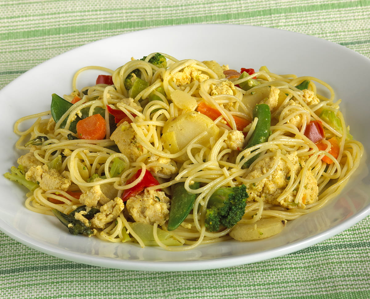 Chicken Curry Skillet with Stir-Fry Veggies and Noodles