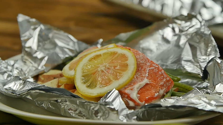 Lemon Garlic Salmon Foil Pack with Green Beans and New Potatoes