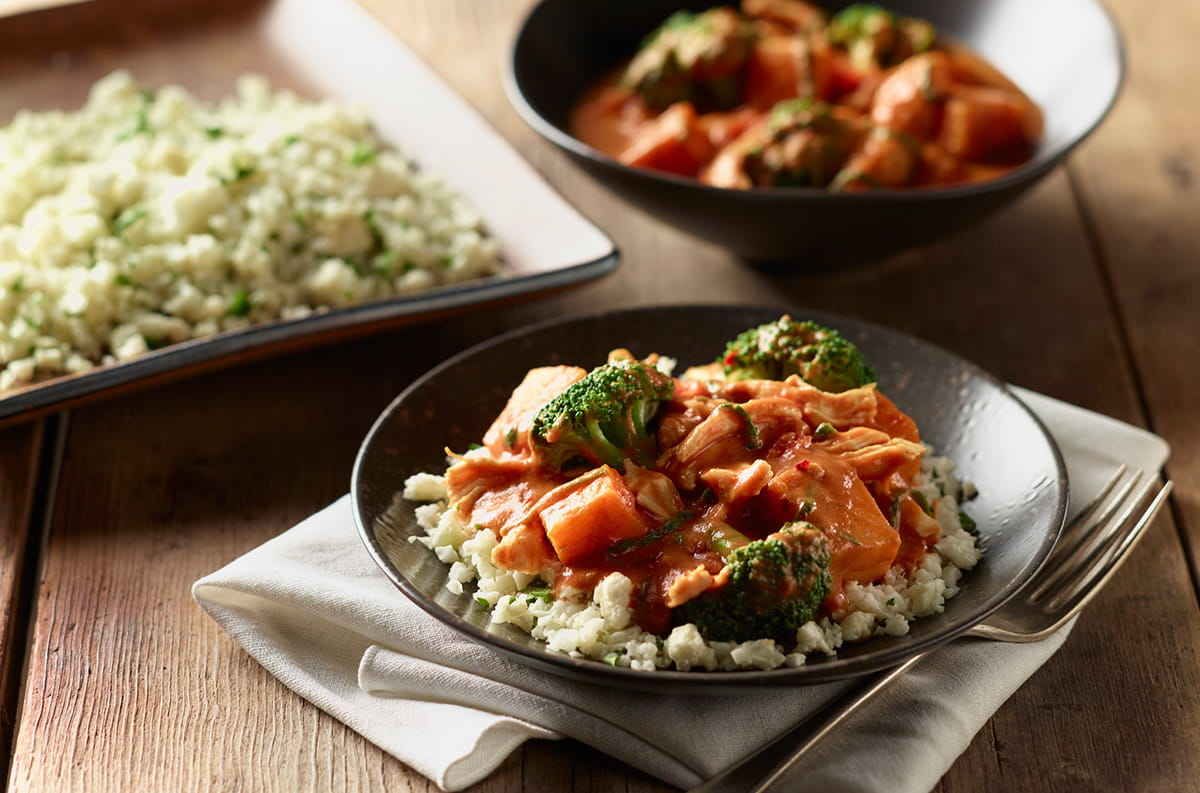 slow cooker panning curry with chicken cauliflower rice