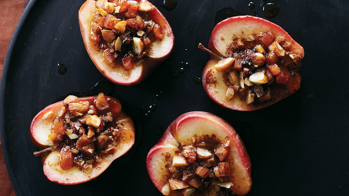 Apples with Almond-=Apricot Sauce